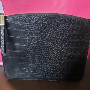 Black Nine West flat faux Gator clutch